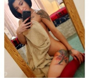 Chaynes transsexual nuru massage La Crosse, WI