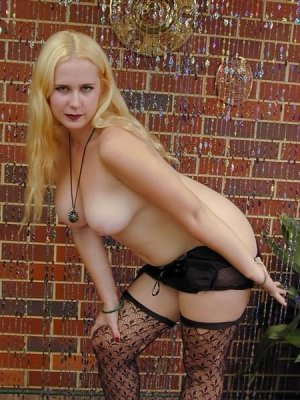 Tania african escorts Barry, UK